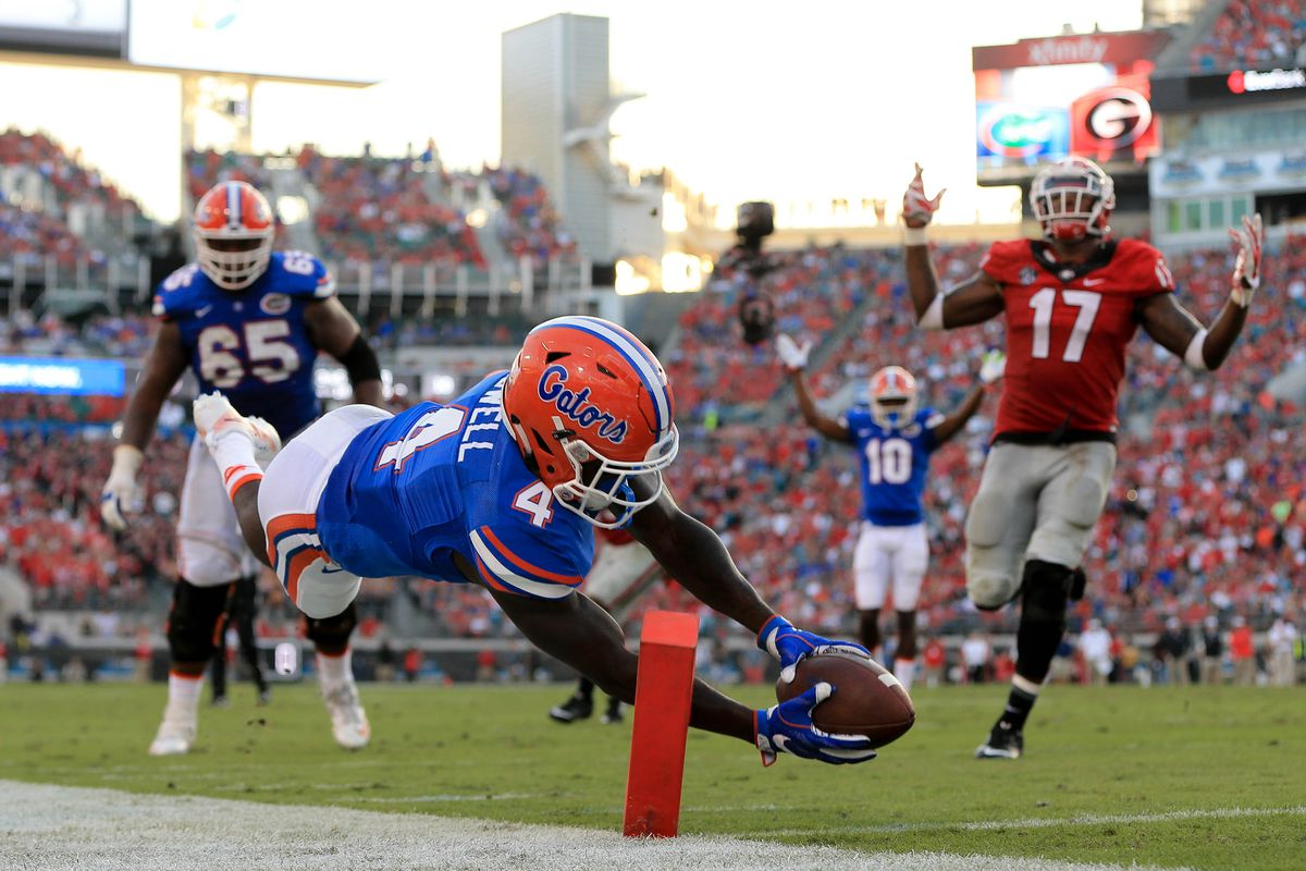 31304f32007b The Best Florida Gators Football Things of 2016  No. 4 has muzzled Dawgs