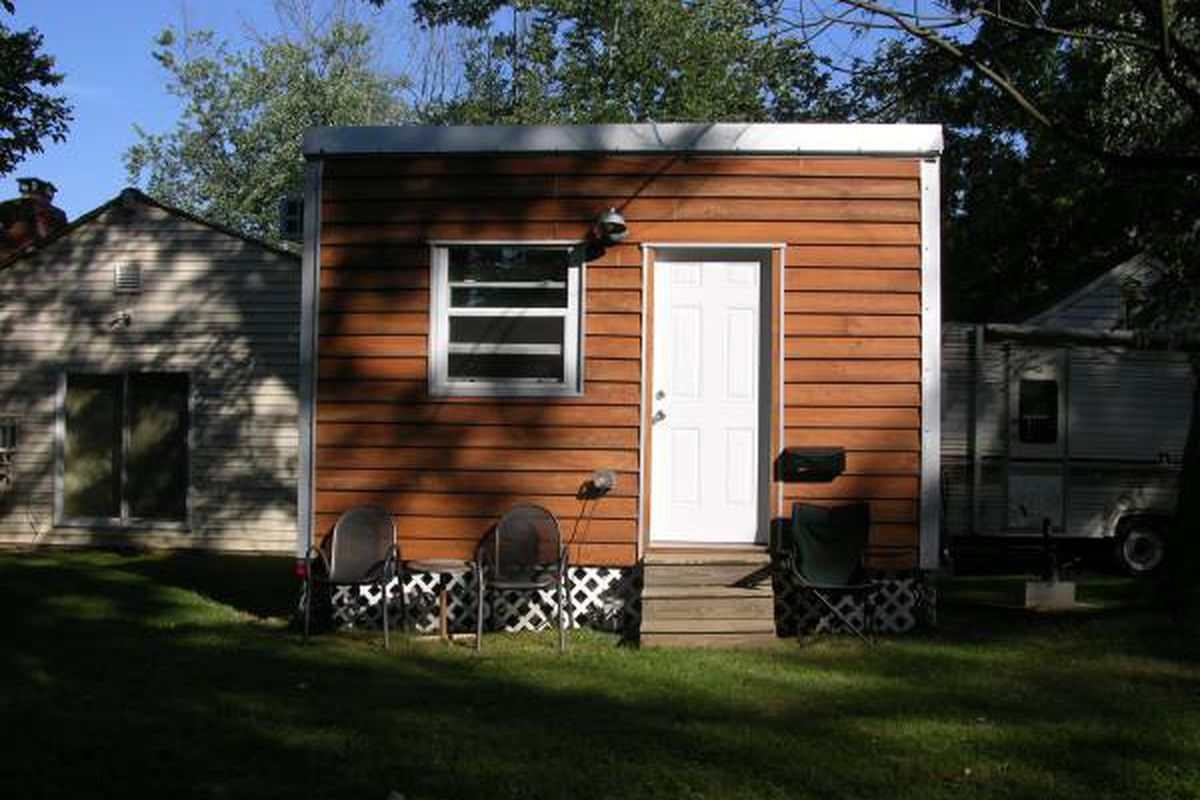 Craigslist Com Philadelphia >> 120-square-foot tiny house in Potomac lists for $15K ...