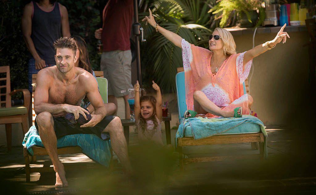 Scott Speedman as Barry 'Baz' Blackwell and Ellen Barkin as Janine 'Smurf' Cody on Animal Kingdom.