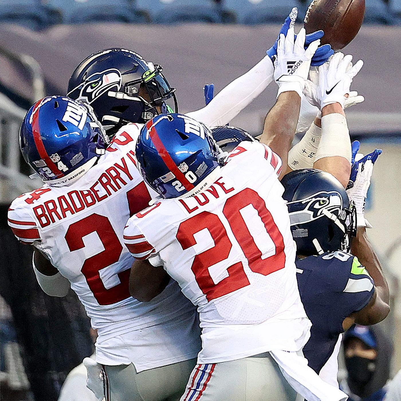 Giants Seahawks Final Score New York Stuns Seattle 17 12 Big Blue View