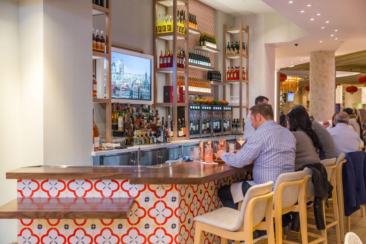 The bar at Pronto by Giada
