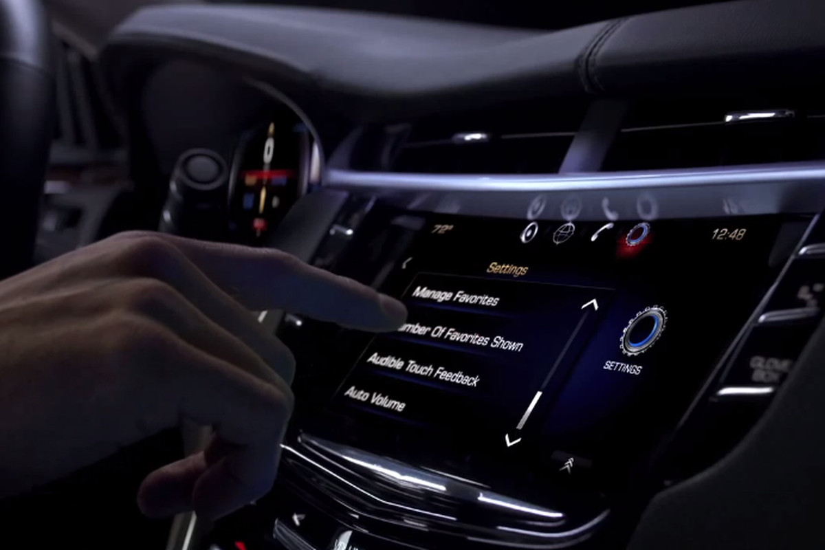 Cadillac to include iPad-based CUE training manuals with new XTS sedans