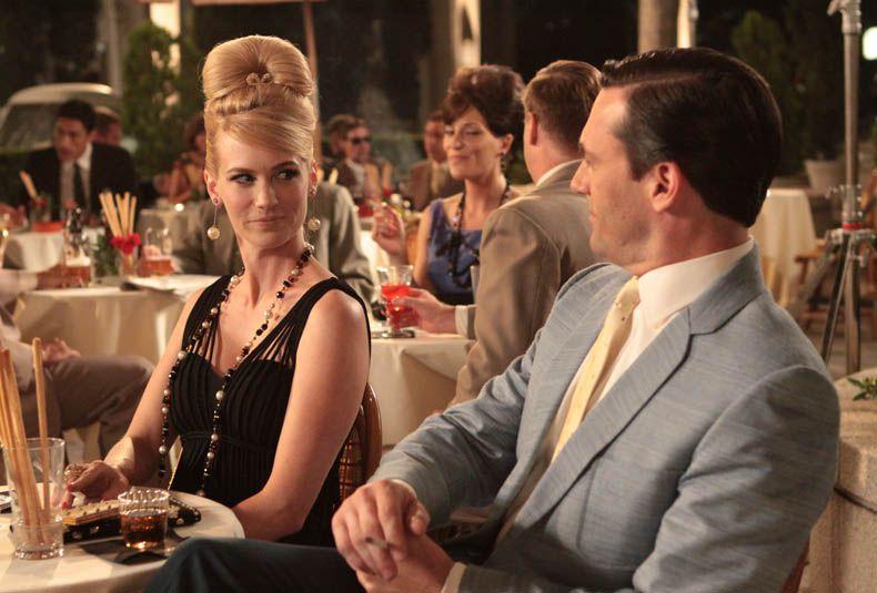 January Jones as Betty Draper and Jon Hamm as Don Draper in season 3, episode 8 of Mad Men.