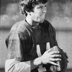 Houston Oilers reserve quarterback Gifford Nielsen works out at practice Dec. 26, 1979, in preparation for the AFC playoff game against the San Diego Chargers. Nielsen started in place of Dan Pastorini.
