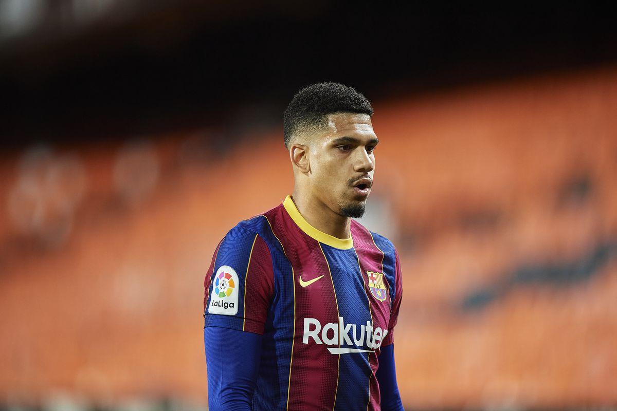 Valencia CF v FC Barcelona - La Liga Santander