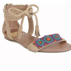 "<a href=""http://www.dolcevita.com/briza/d/1059_c_203_cl_921"">DV by Dolce Vita</a> <b>Briza</b> sandal, $79"