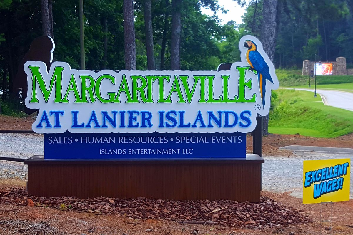 a photo of the entrance sign