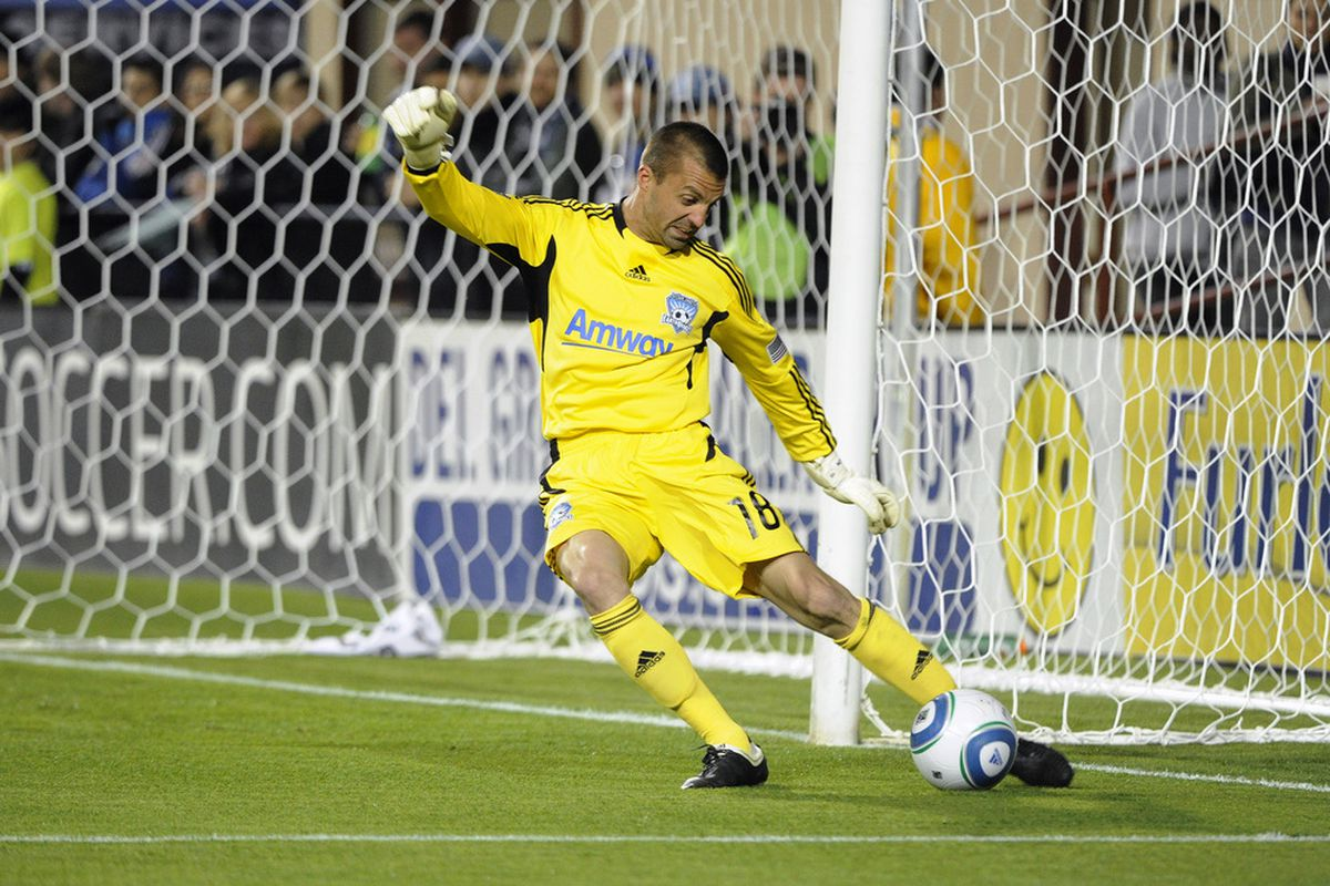Jon Busch makes his first visit to Toyota Park as a member of the San Jose Earthquakes to face his former team the Chicago Fire.