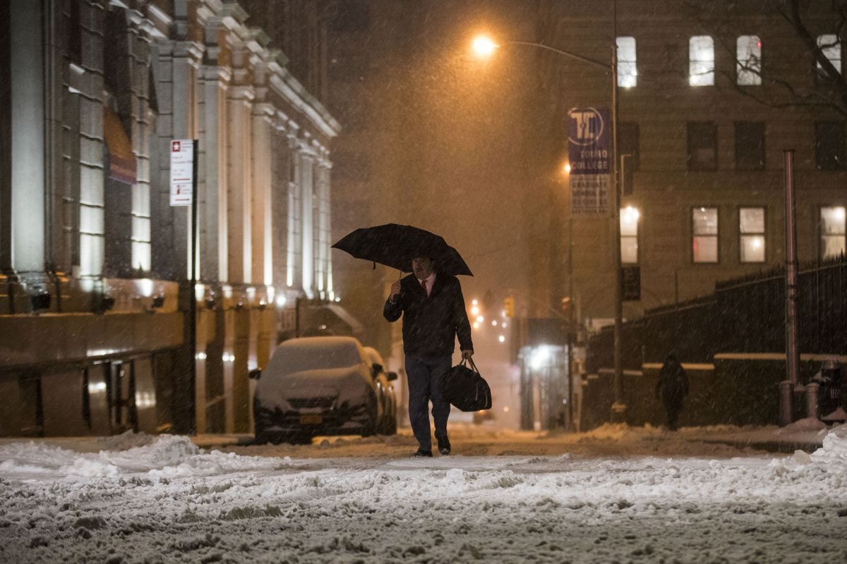 NYC Snowstorm Prompts Restaurant Closures and Deals - Eater NY
