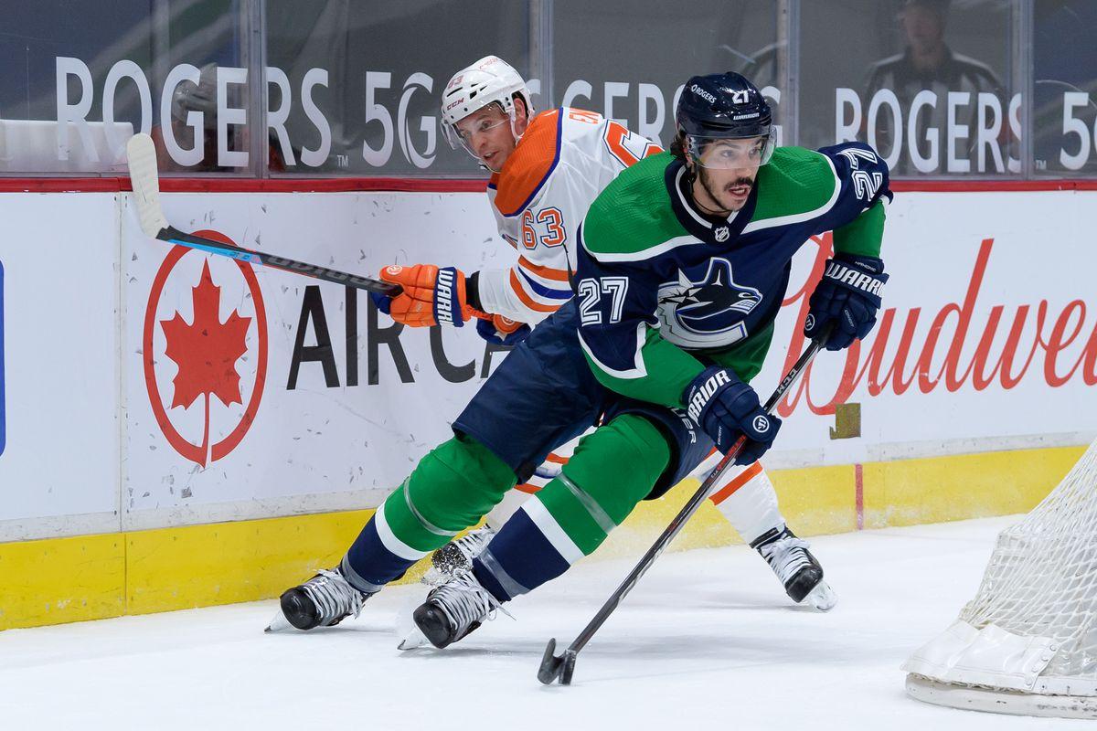 NHL: FEB 25 Oilers at Canucks