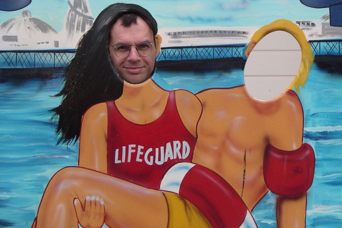 A comic foreground pose at Brighton. Lookin' good!
