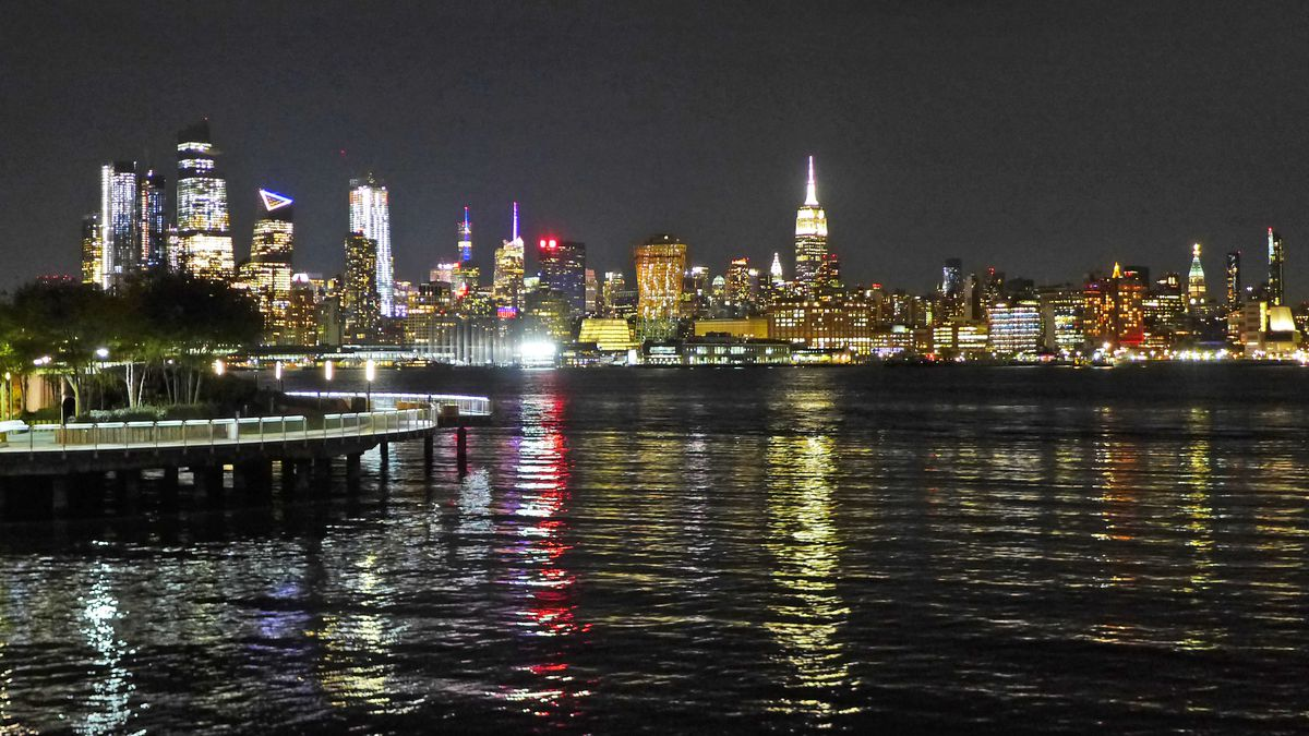 Halifax In Hoboken Is A Restaurant With Stunning Views Where You Can Actually Get Table Eater Ny