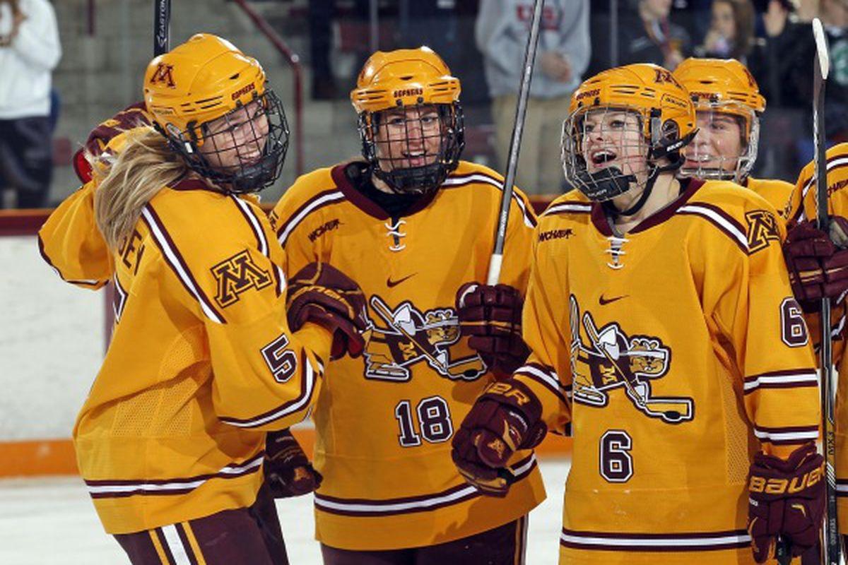 The Gopher Womens Hockey team starts thier playoff push tonight