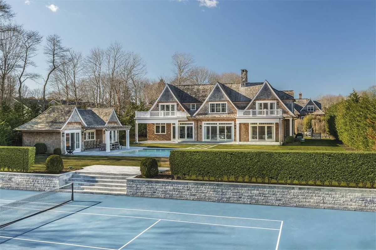 hamptons homes for sale with tennis courts for under 7m