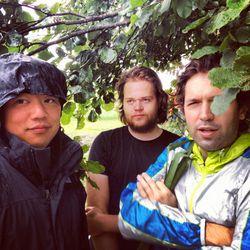 Chris, Magnus, and Ben stuck in the rain