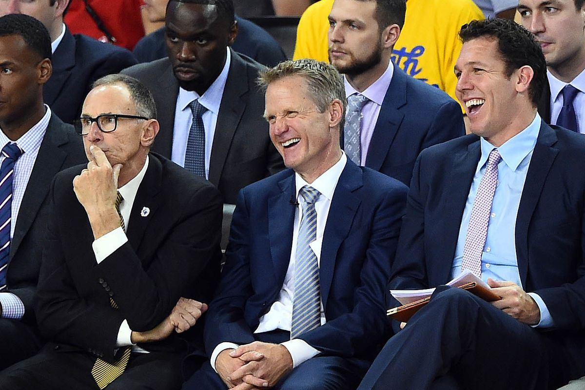 Three coaches share a laugh. What, that IS Ron Adams in hysterics. Can't you tell?