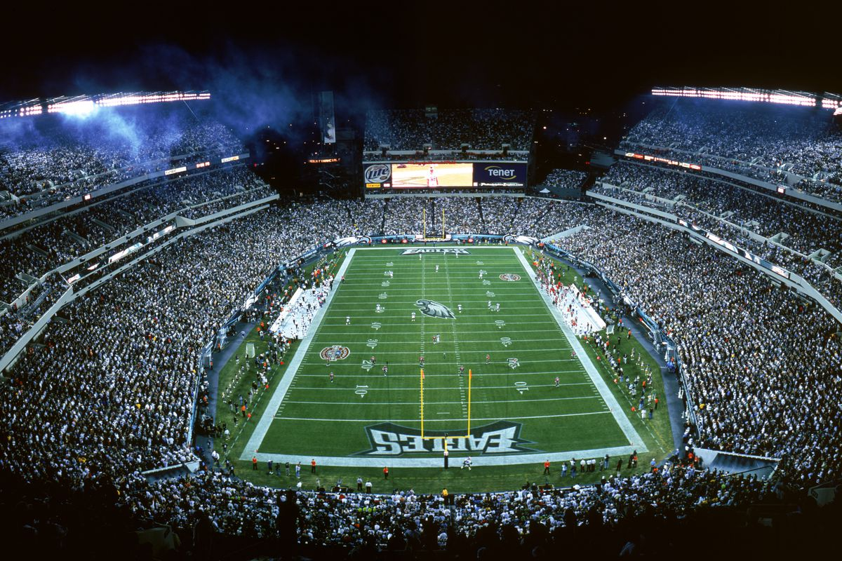 General view of a full Lincoln Financial Field as the Philadelphia Eagles and the Tampa Bay Buccaneers prepare for the opening kick-off during a game on October 2, 2003 in Philadelphia, Pennsylvania.