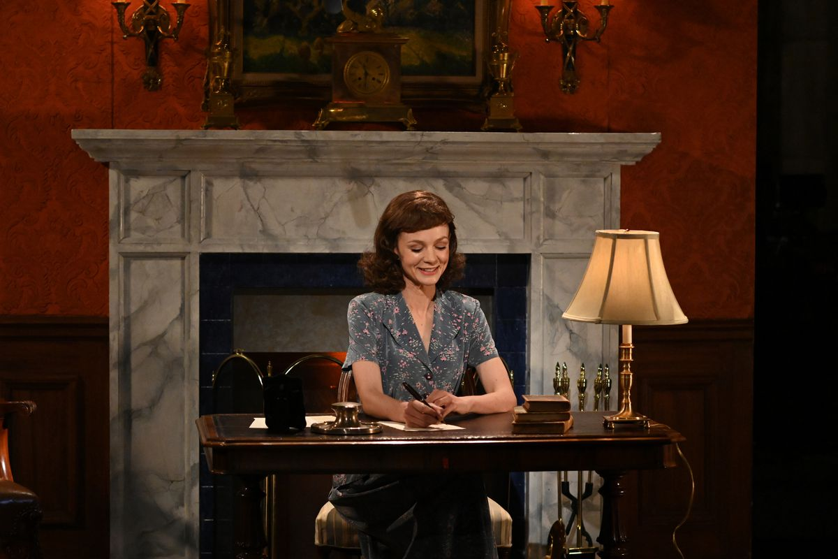 """SATURDAY NIGHT LIVE — """"Carey Mulligan"""" Episode 1802 — Pictured: Host Carey Mulligan as Mary Pembrook during the """"War in Words"""" sketch on Saturday, April 10, 2021"""