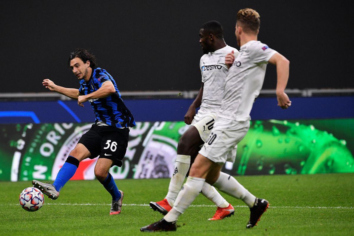 Internazionale v Borussia Monchengladbach - UEFA Champions League