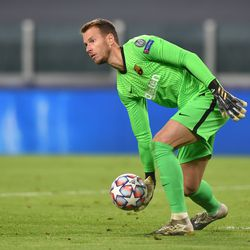 Another clean sheet for Neto