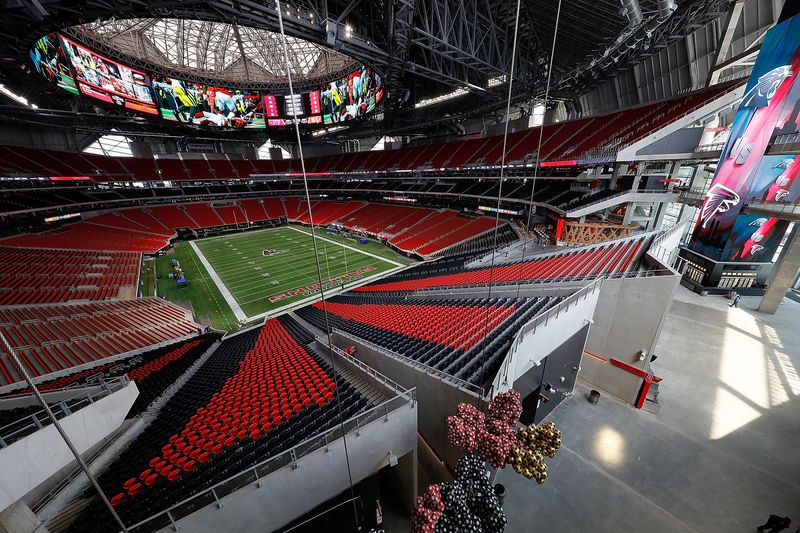 New Atlanta Stadiums Wildest Features Meet MercedesBenz - 12 over the top stadium foods to try this year
