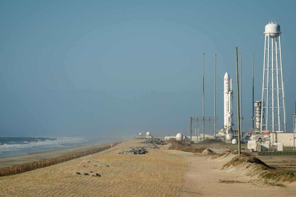 """via <a href=""""http://i.space.com/images/i/000/028/184/original/antares-rocket-launch-pad-wallops.jpg"""">i.space.com</a>"""