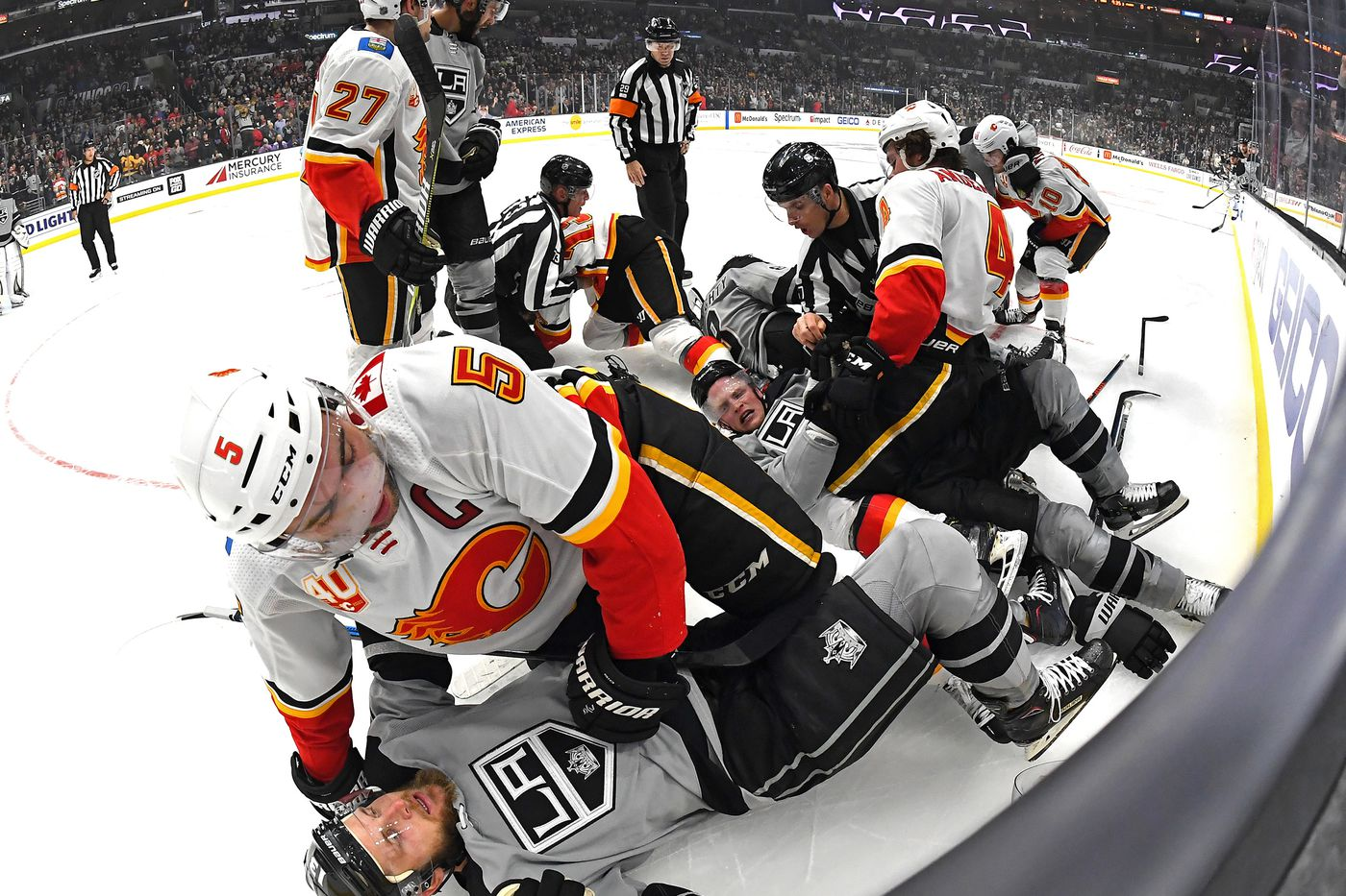 Preview Los Angeles Kings And Calgary Flames Square Off As Road Trip Continues Jewels From The Crown