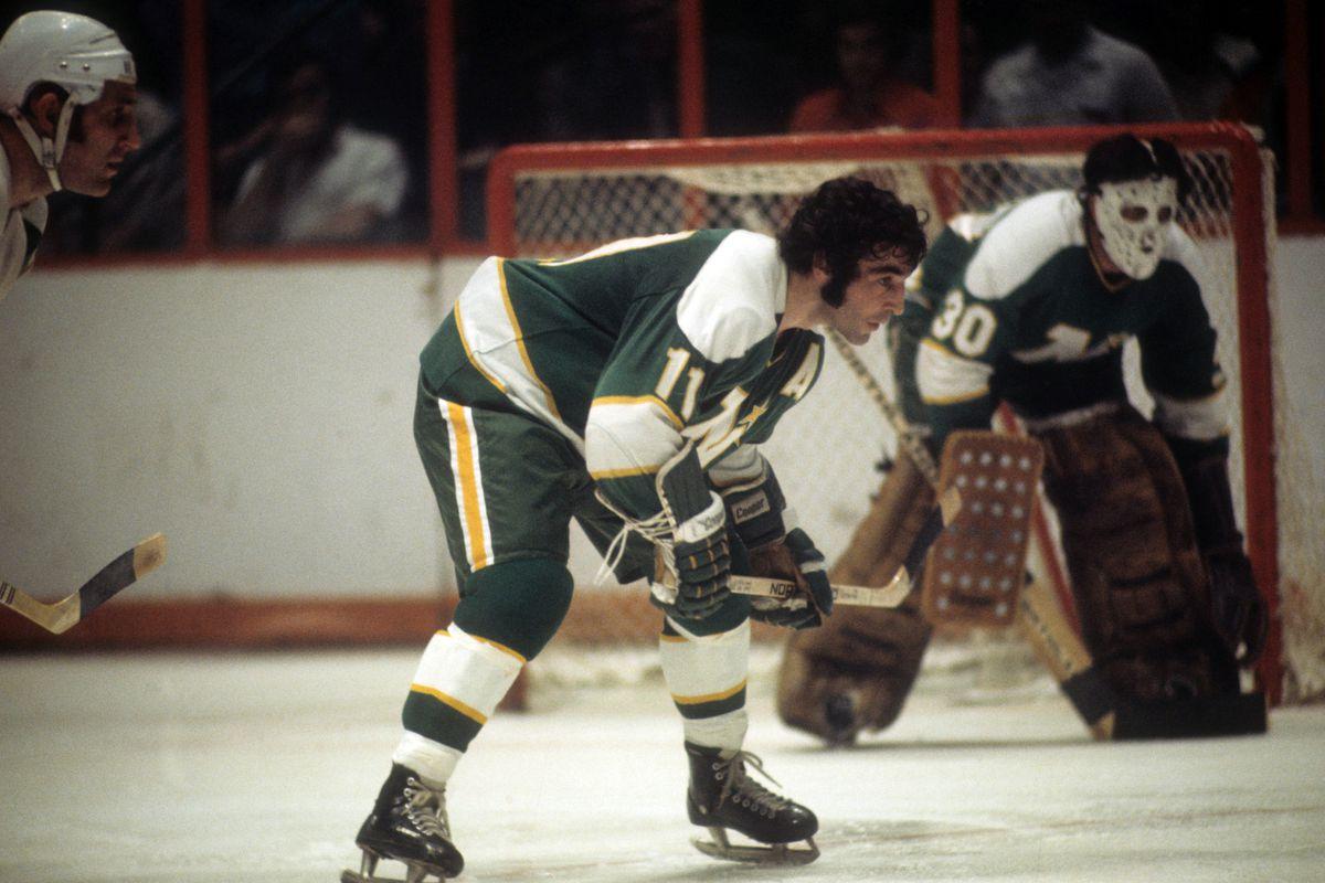 Minnesota North Stars v Philadelphia Flyers