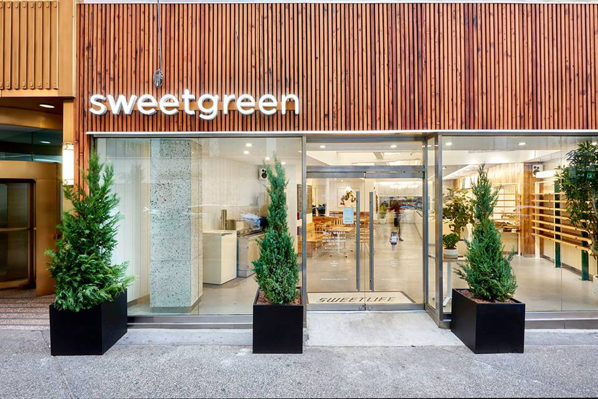 Exterior of Sweetgreen