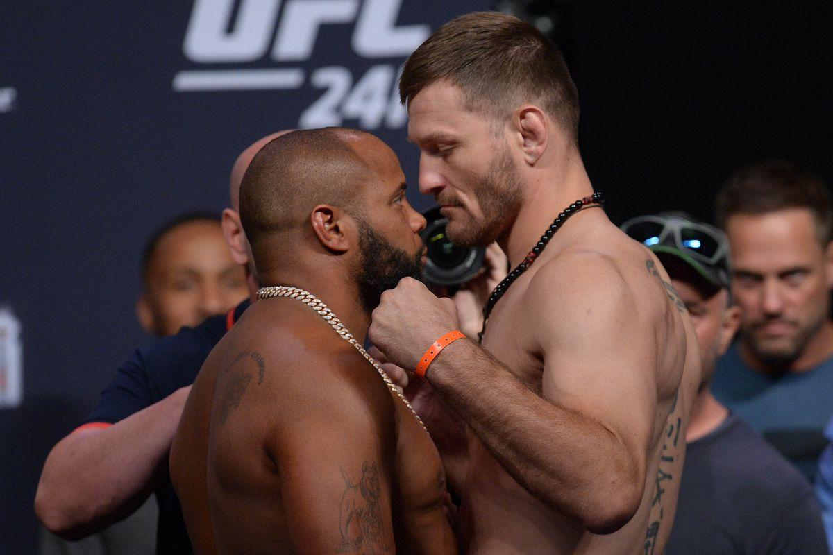 MMA: UFC 241-Weigh Ins