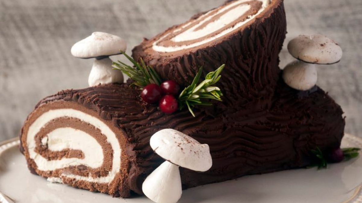 Buche De Noel Cafe where to order yule logs and other christmas desserts in