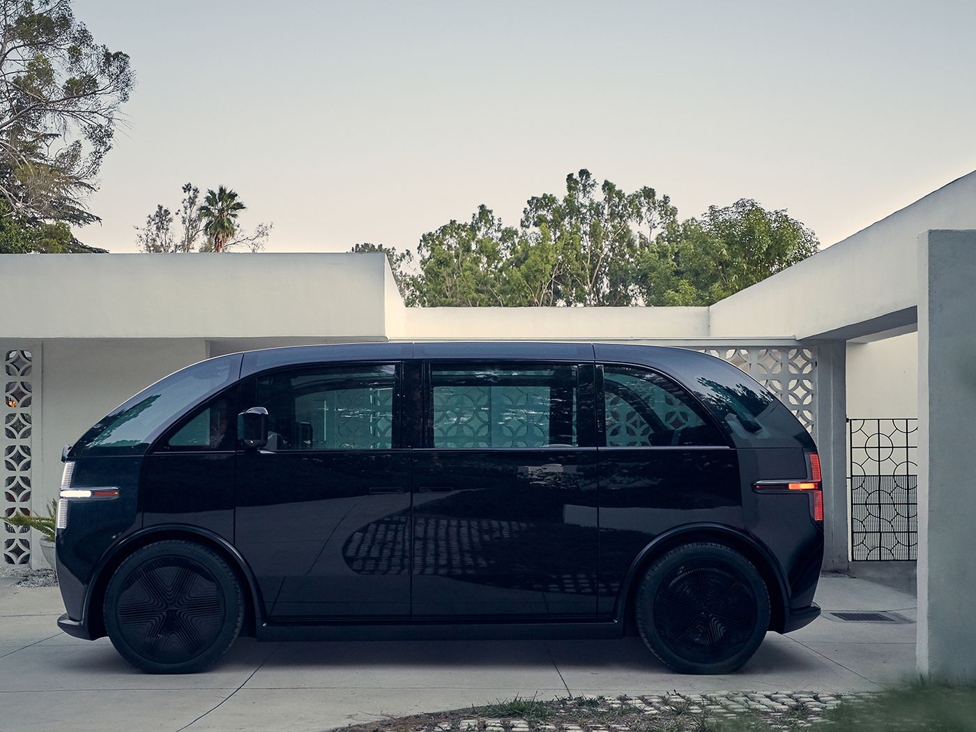 Canoo S First Subscription Only Ev Is A Refreshing Rethink Of The Vw Microbus The Verge