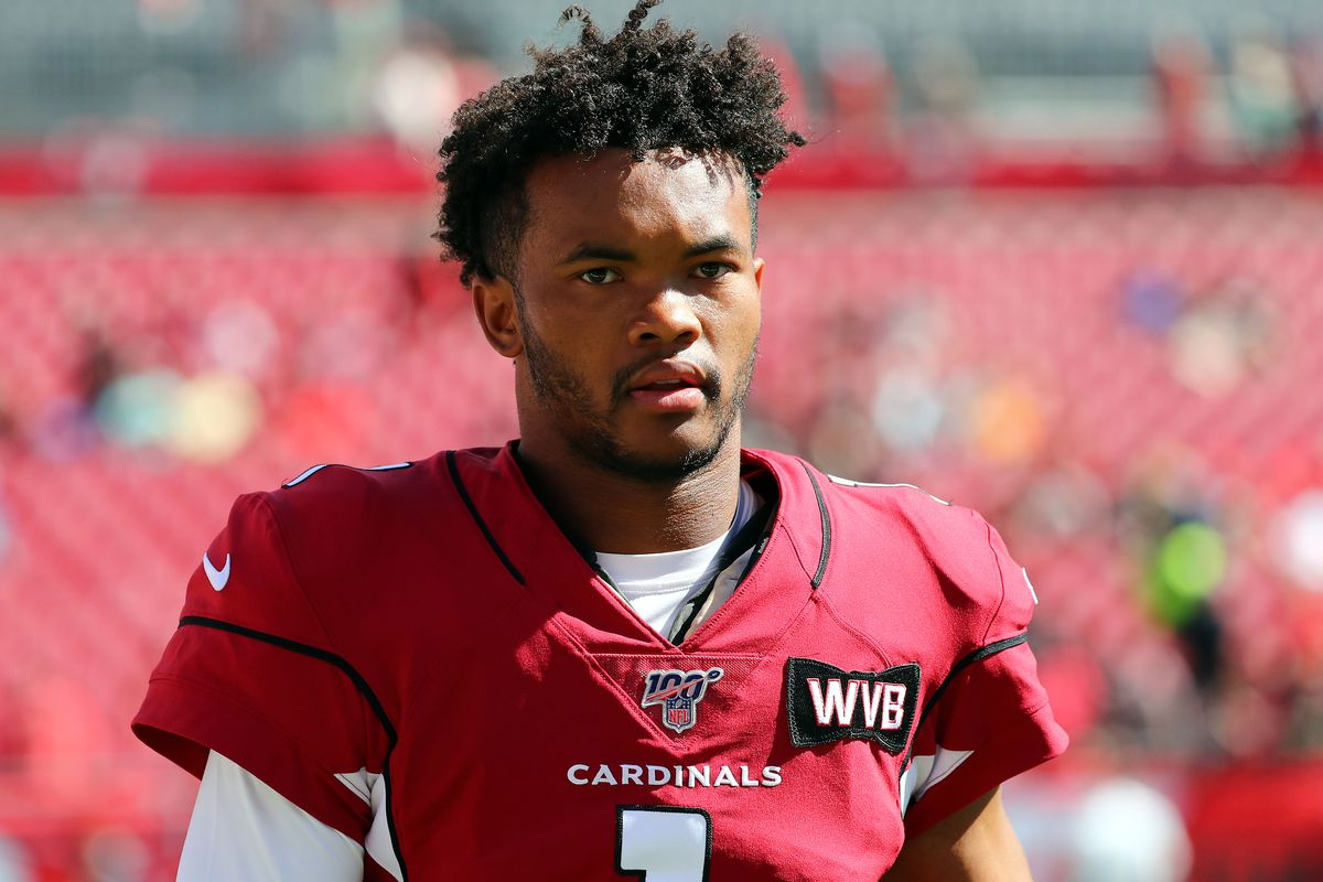 Arizona Cardinals QB Kyler Murray warms up before a Week 10 game against the Tampa Bay Buccaneers, Nov. 20, 2019.