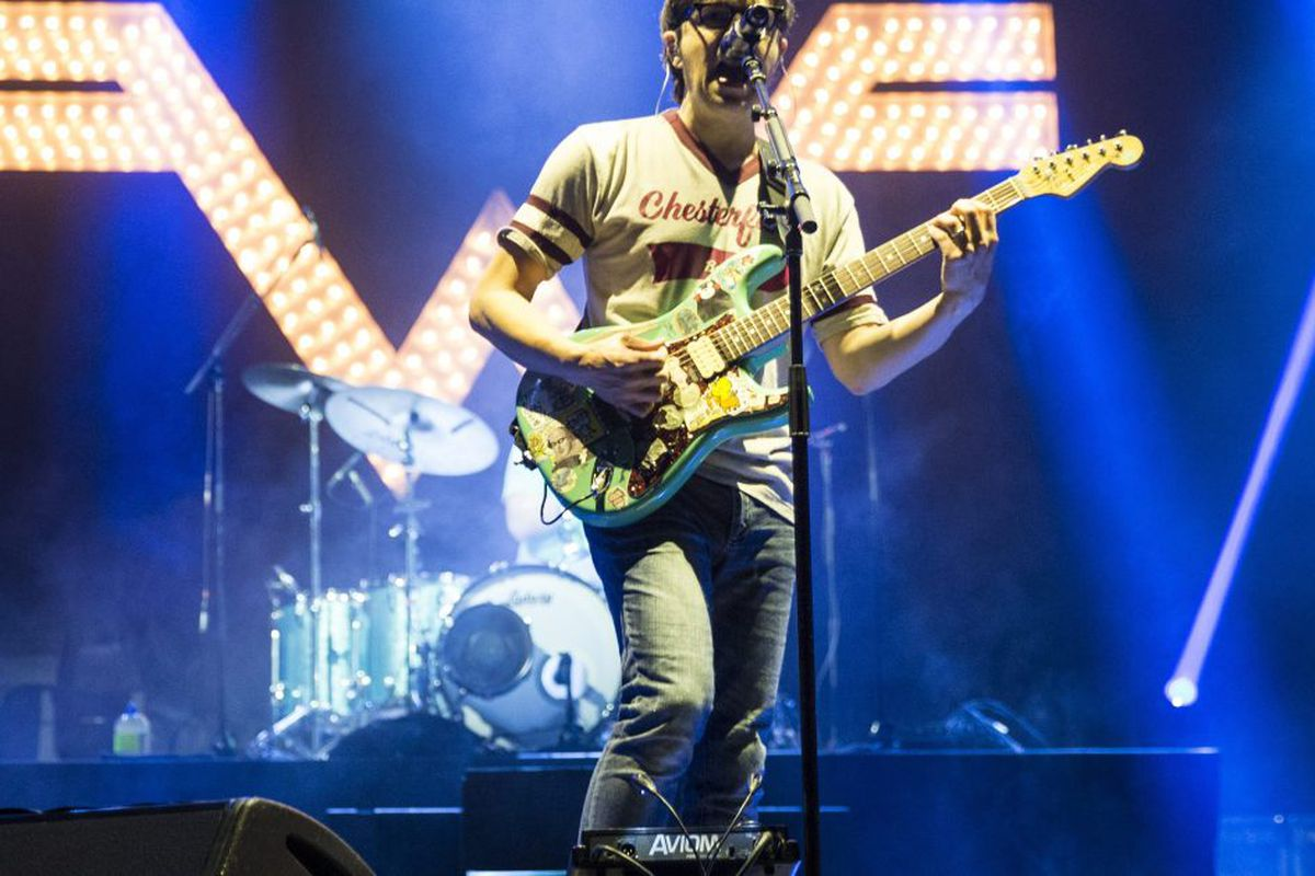 Weezer cover TLC's 'No Scrubs' on surprise new 'Teal Album