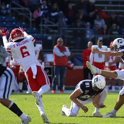 The Houston Cougars take on the UConn Huskies in a college football game at Pratt and Whitney Stadium at Rentschler Field in East Hartford, CT on October 19, 2019.