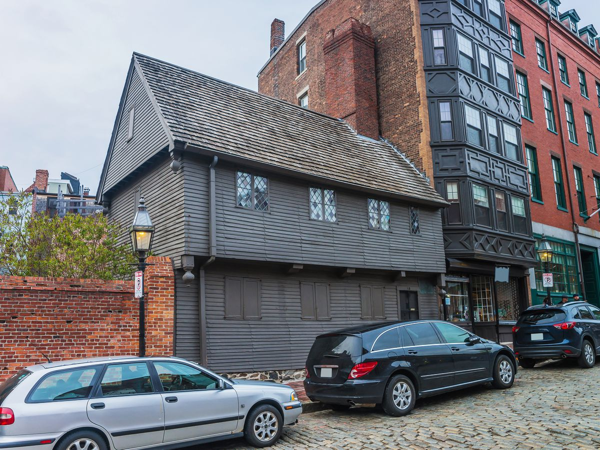 The exterior of the 17th-century Paul Revere House.