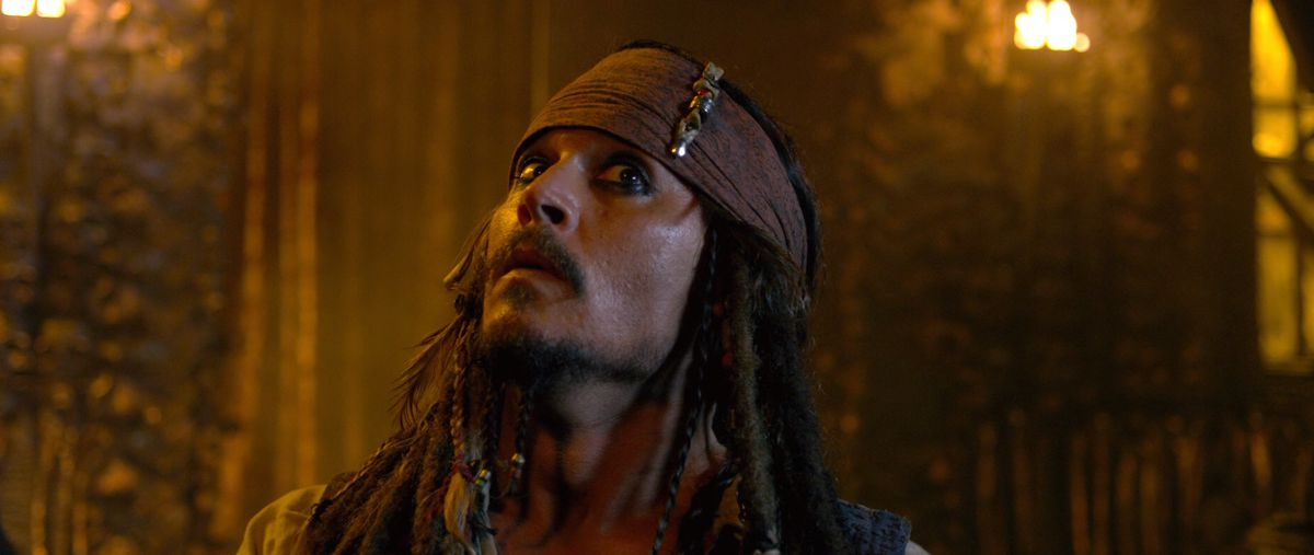 pirates 4: jack sparrow looks up in a funny way in on stranger tides