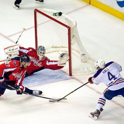 Alzner Gets Stick In Front of Hall