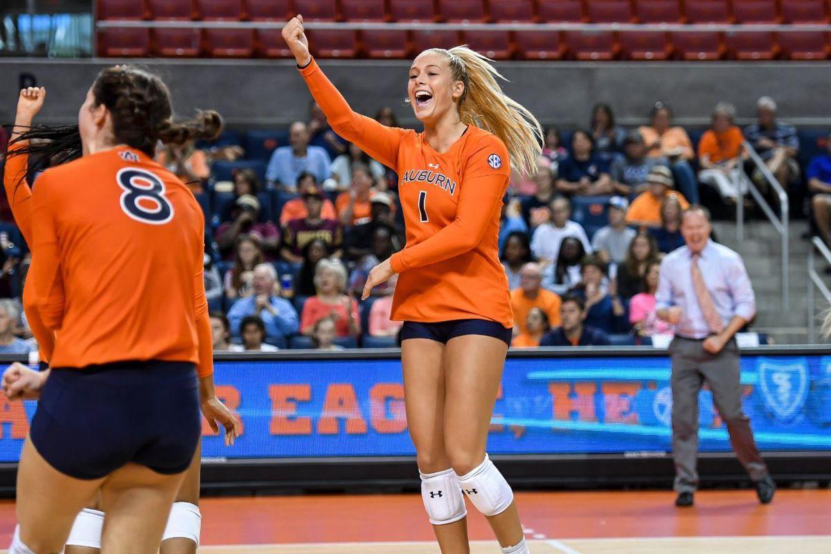 Illini Volleyball Adds Mica Allison The Champaign Room