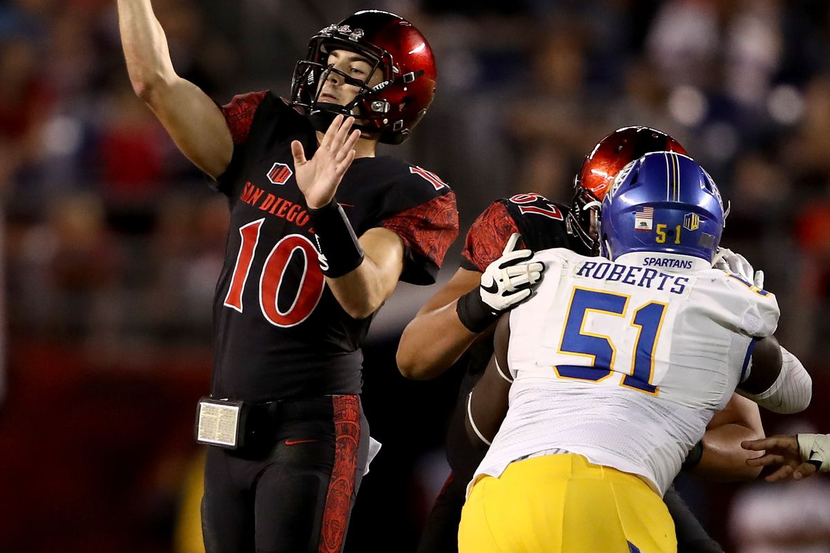 San Jose State Spartans DL Owen Roberts collapses the pocket against the San Diego State Aztecs, Oct. 21, 2016.