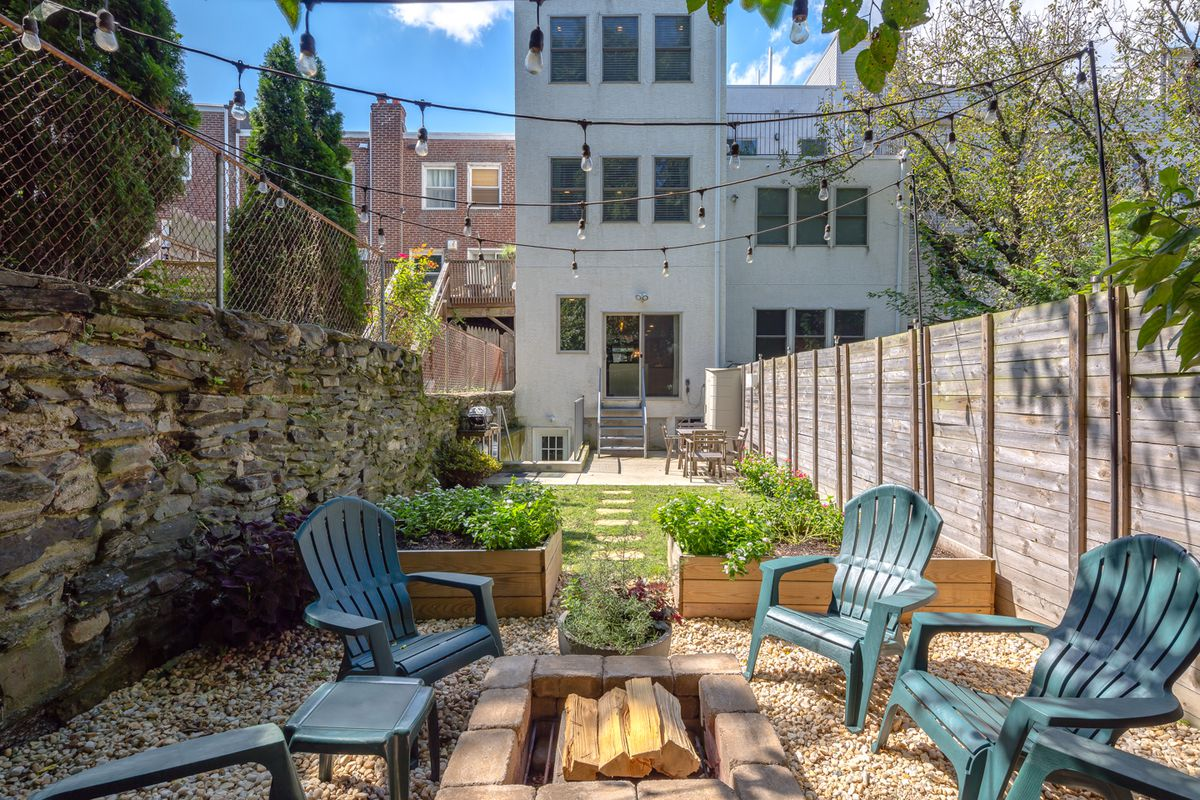 new manayunk home s backyard is an oasis asks 550k curbed philly