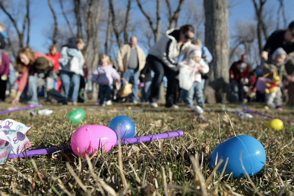 Kids rush onto the field for an Easter egg hunt in American Fork Saturday, March 22, 2008. Photo by Jason Olson
