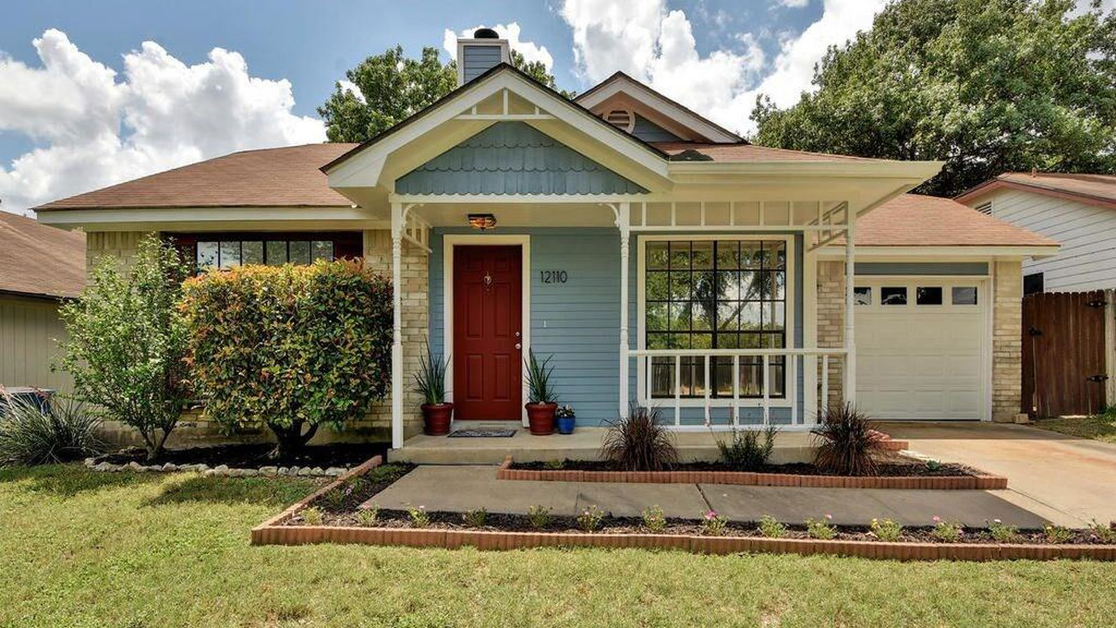 A small house in austin is on the market for less than for Austin house