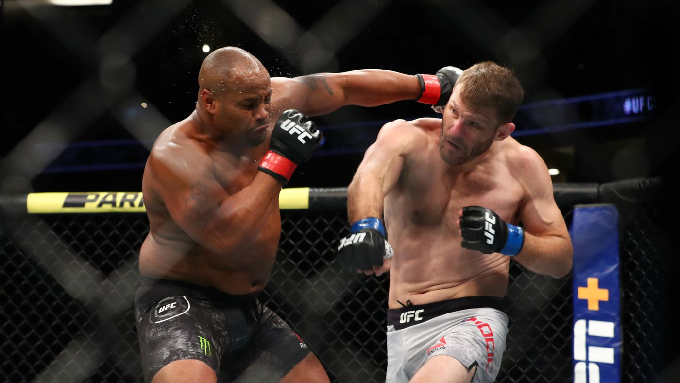 UFC 241 'Fight Motion' video: Watch Cormier and Miocic go to war in super-slow motion