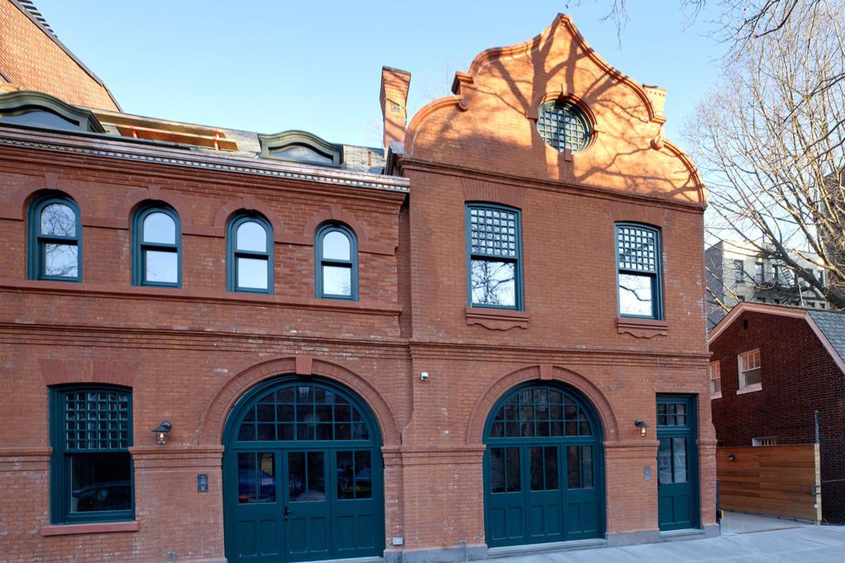 Two clinton hill carriage houses turned minimalist dream for Minimalist house for sale