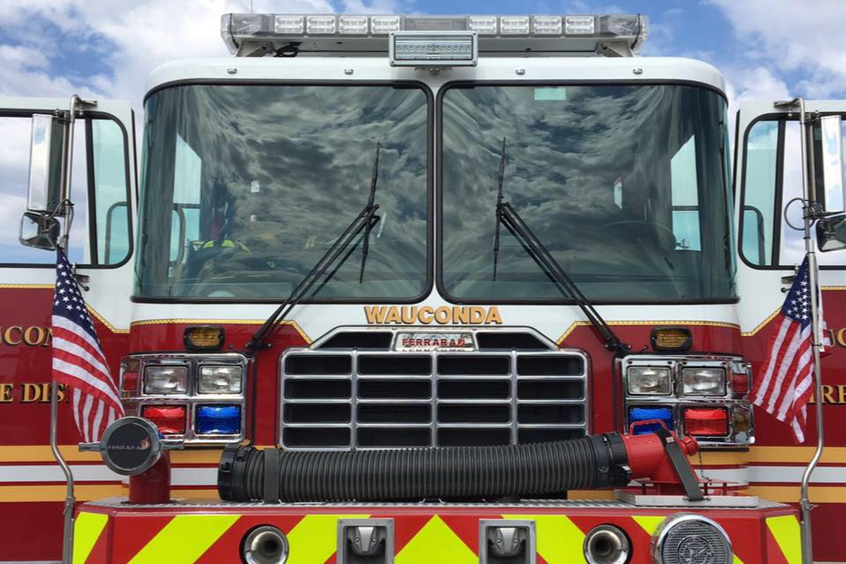 Fire damages 2 Lake Barrington apartments