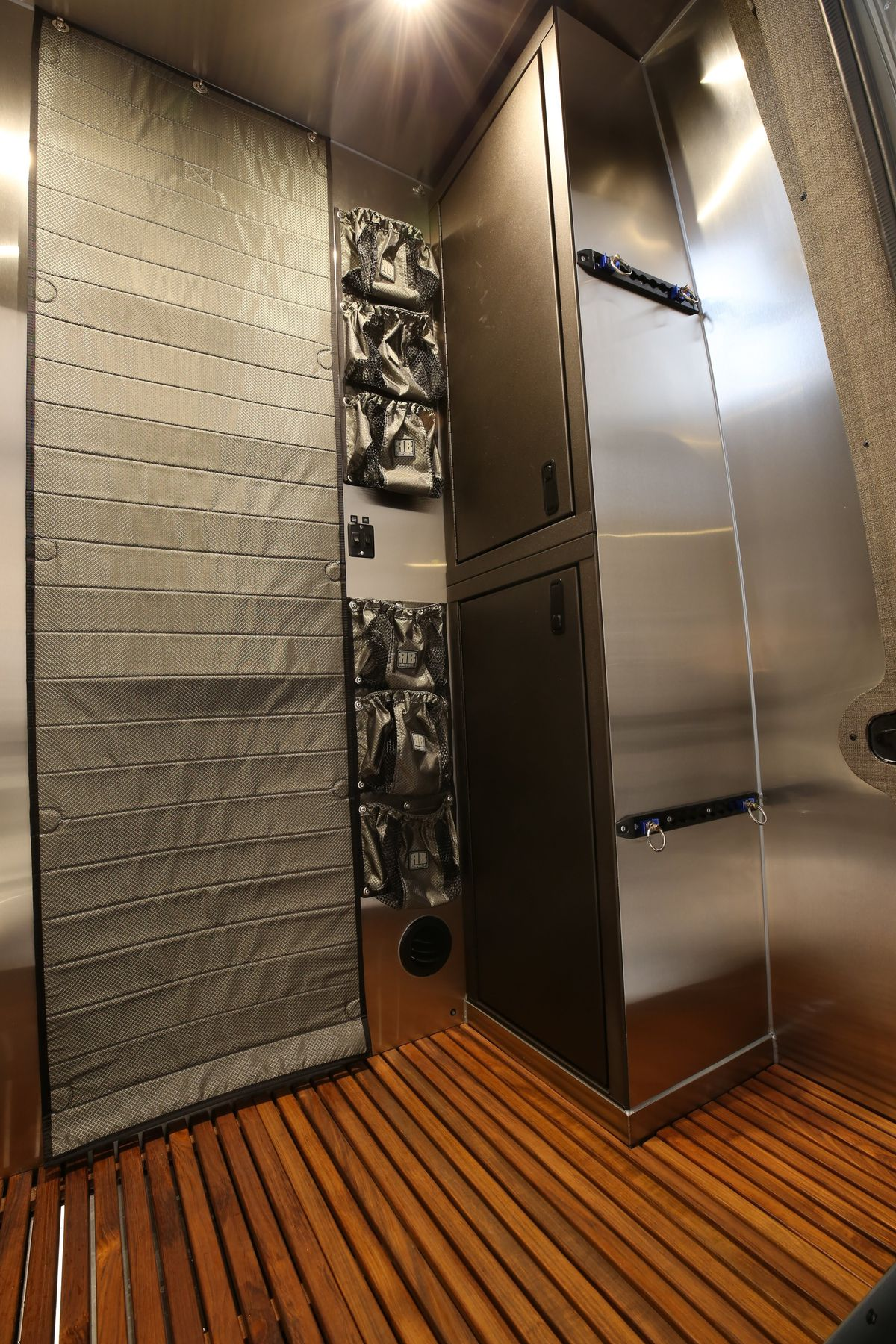 Pleasant Camper Van Sleeps Four And Hides A Clever Bathroom Curbed Creativecarmelina Interior Chair Design Creativecarmelinacom