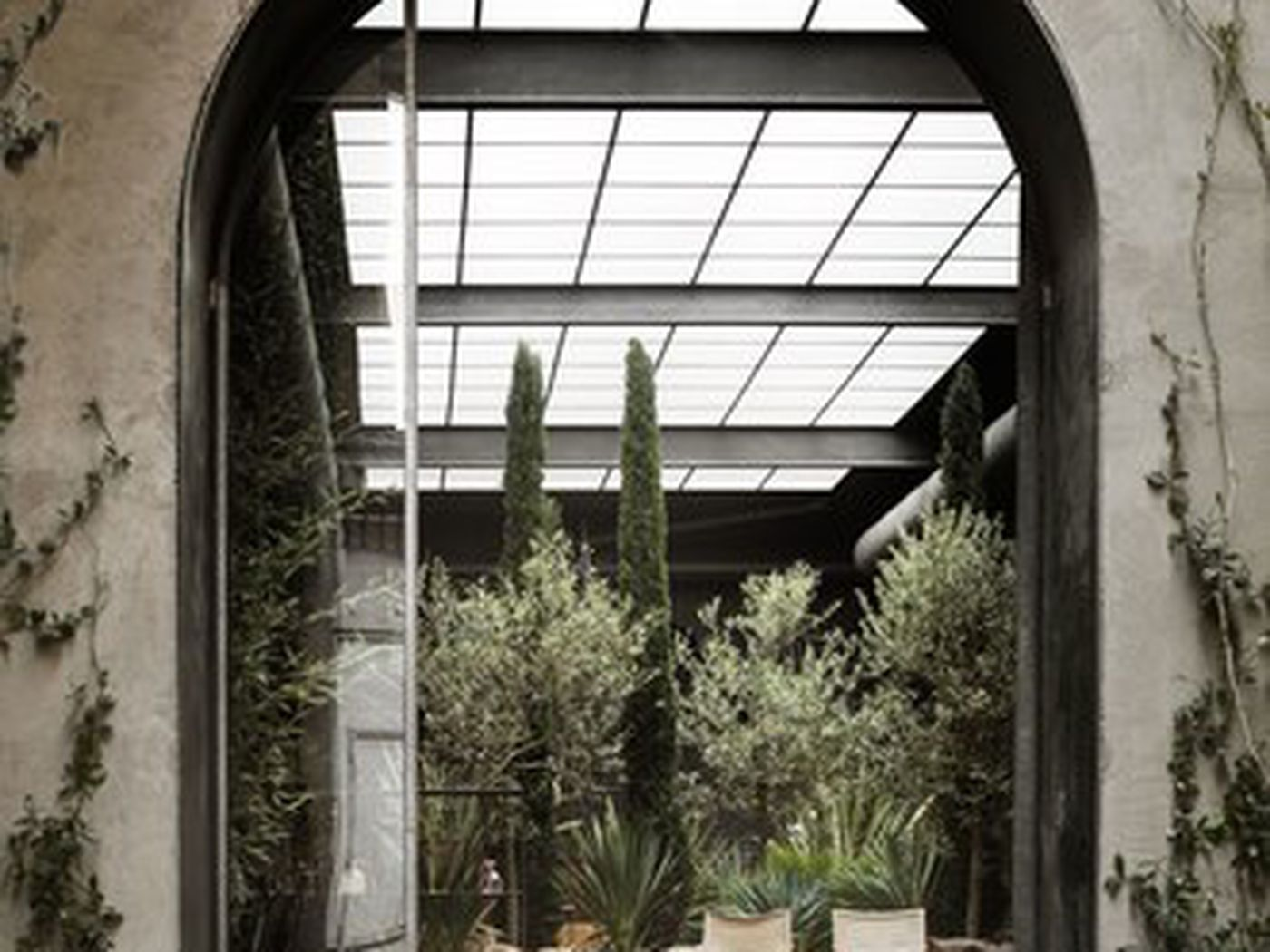 Milan S Six Gallery Transformed From 16th Century Italian Monastery Curbed
