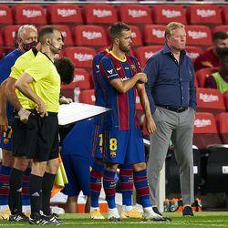 Pjanic makes his Barcelona debut