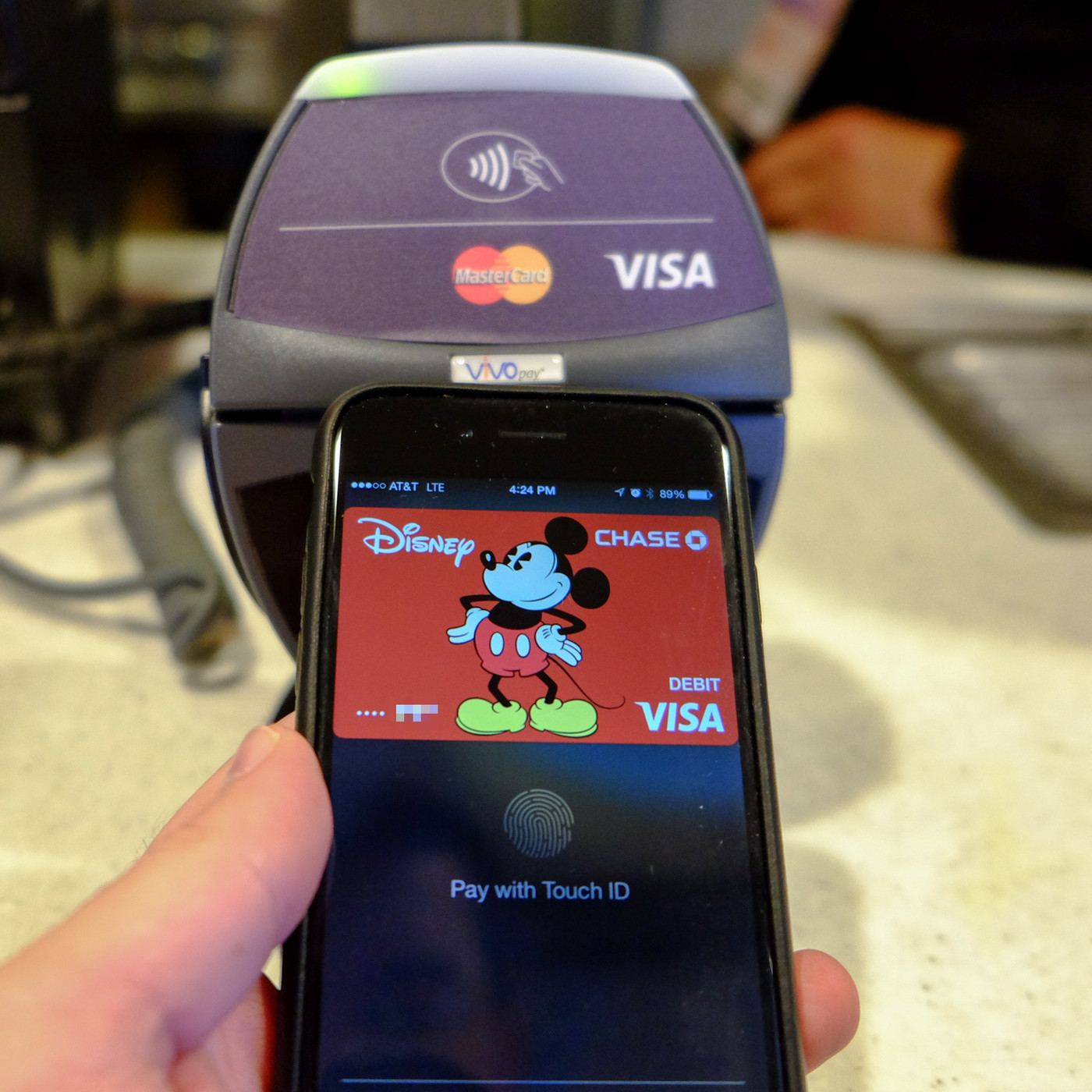 Apple is reportedly planning to add a rewards program to Apple Pay